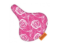 Bikecap Zadeldek Sitting on Pink Roses